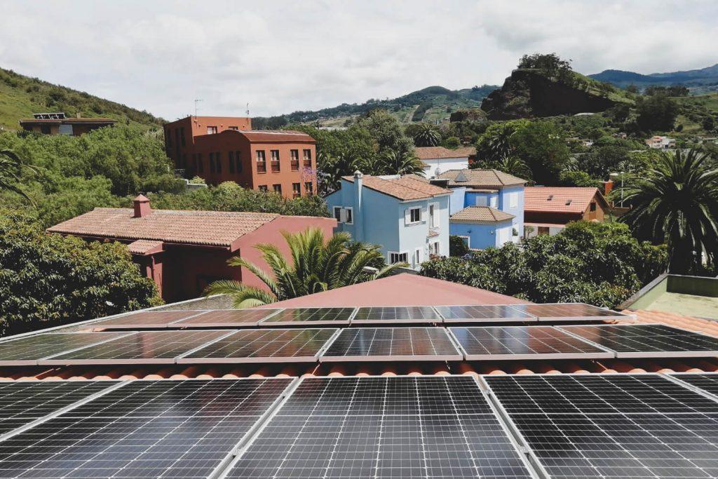 Instalaciones renovables y autoconsumo de energía 100% verde en Canarias